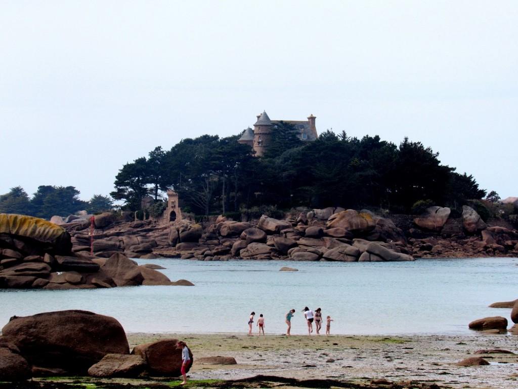 château de Costaérès à ploumanach en Bretagne.
