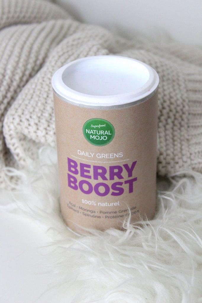 Berry boost de chez Natural Mojo. Un mélange naturel de 7 super-aliments pour apporter le plein d'énergie.