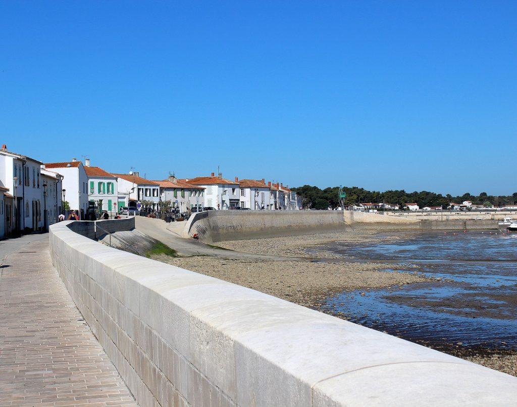 Rivedoux-plage, premier village de l'ile de ré.