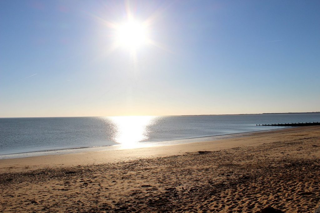 soleil se reflétant sur la mer