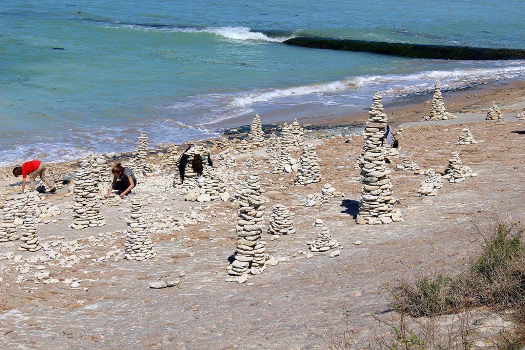 Plage du phare des baleines à l'île de ré.