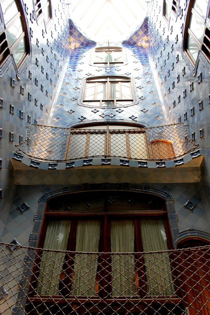 Intérieur de la casa Batllo de Gaudi à Barcelone.