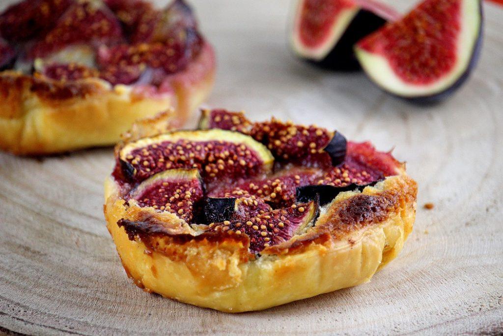 Recette de tartelettes aux figues. Gourmande et facile à faire. Parfaite pour le goûter ou en dessert.