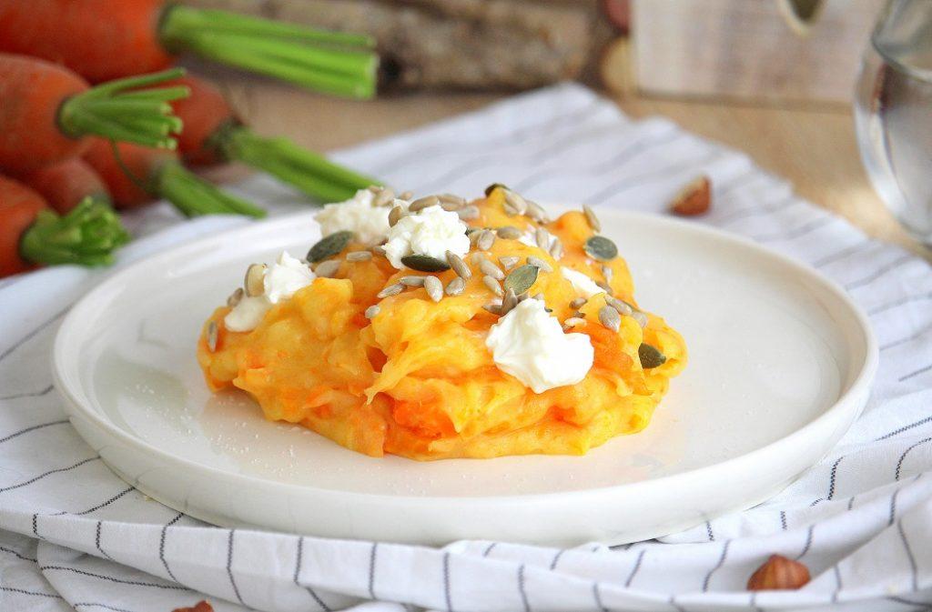 Recette de purée de pommes de terre et carottes. Une recette facile à faire, gourmande et réconfortante.
