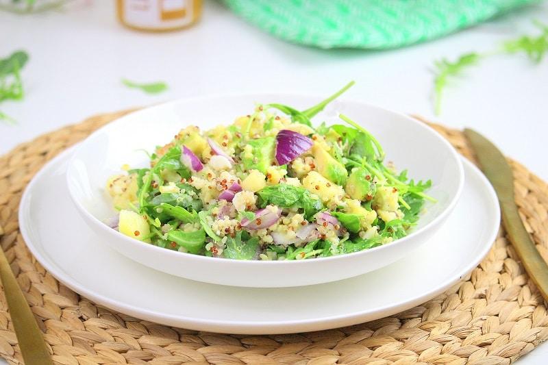 Salade végétarienne sucré salé quinoa-avocat-pêche only laurie