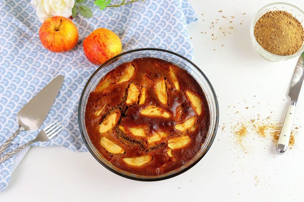Recette de gâteau au yaourt healthy aux pommes. Sans lactose et facile à faire.