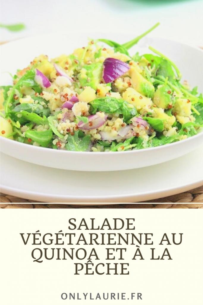 Recette de salade végétarienne sucré salé au quinoa et à la pêche.