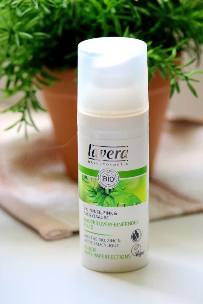 fluide anti imperfections bio de la marque lavera. Parfait pour avoir une belle peau sans imperfections.