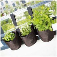 triple-jardiniere-suspendue-en-pvc-pour-balcon only laurie