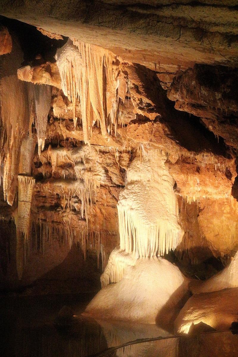 grottes de lacave only laurie