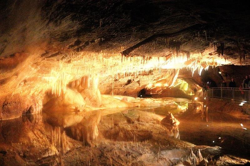 salle des merveilles grotte de lacave only laurie