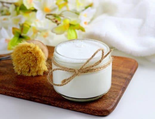 DIY pour faire son cake vaisselle maison au citron avec des ingrédients naturels.