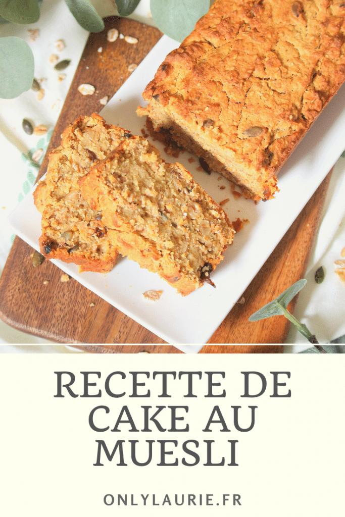 Recette de cake au muesli facile à faire. Parfaite pour un petit déjeuner healthy. A base de flocons d'avoine, graines de sésame et graines de courge.