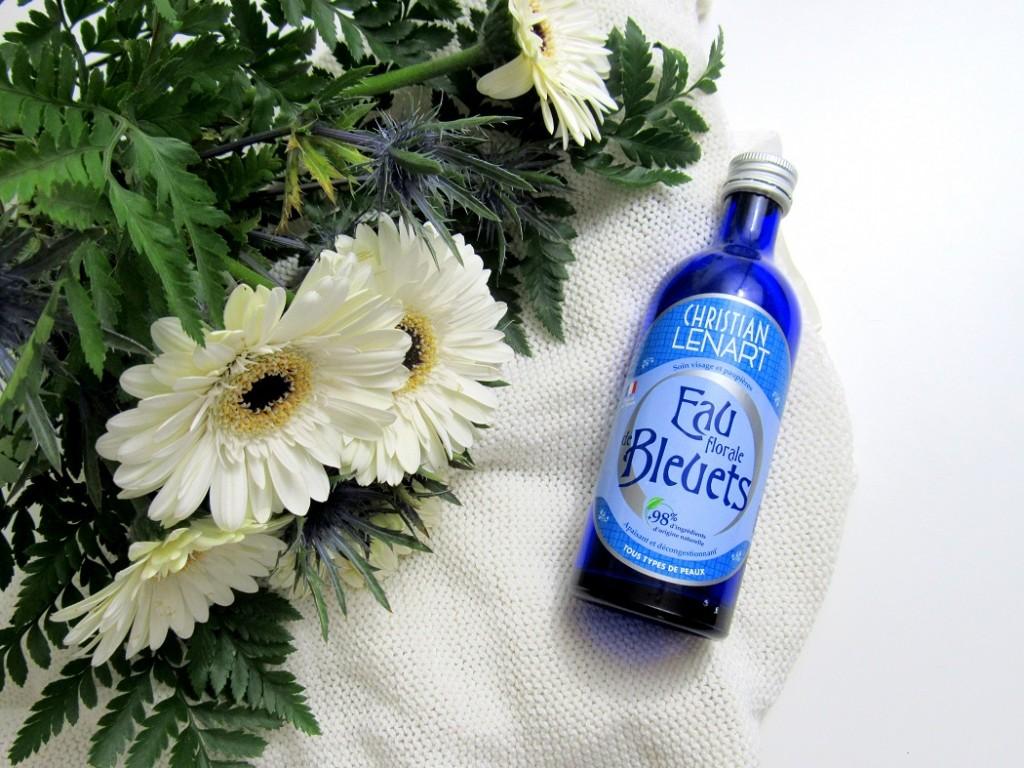 eau florale de bleuet de christian lenart. Parfait pour apaiser et tonifier tous types de peaux.