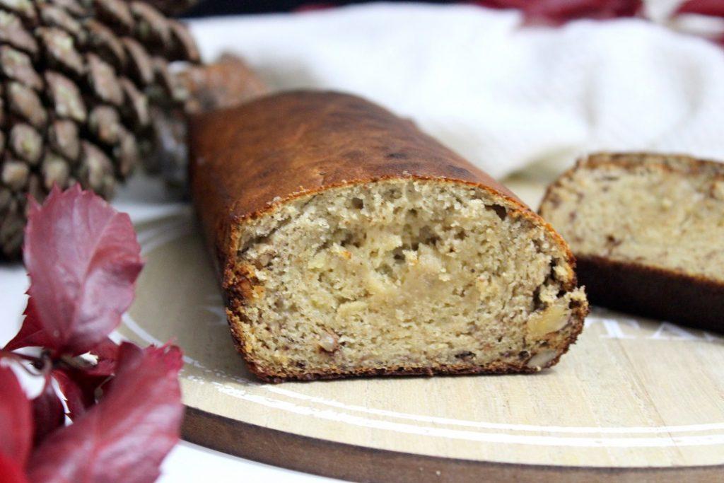 Recette de banana bread healthy. Gourmand et facile à faire. Parfait pour le goûter ou le petit déjeuner.