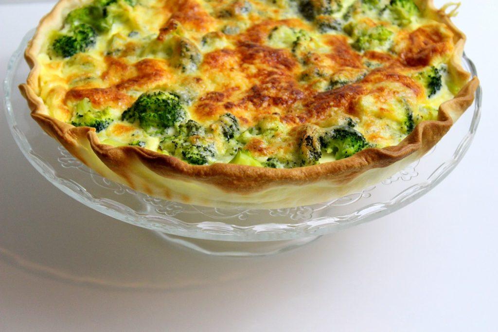 recette de tarte au saumon et aux brocolis. Rapide et facile à faire.