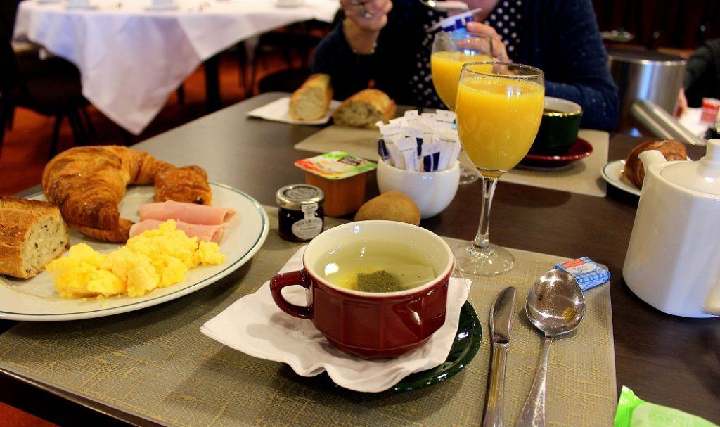 Petit déjeuner buffet sucré et salé à Bagnoles de l'orne.