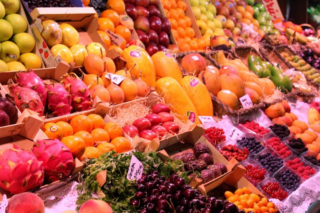Marché de fruits à Barcelone.