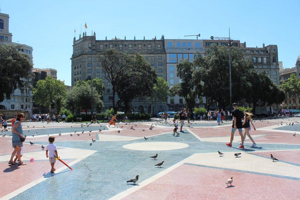 Place Catalunya à Barcelone en Espagne.