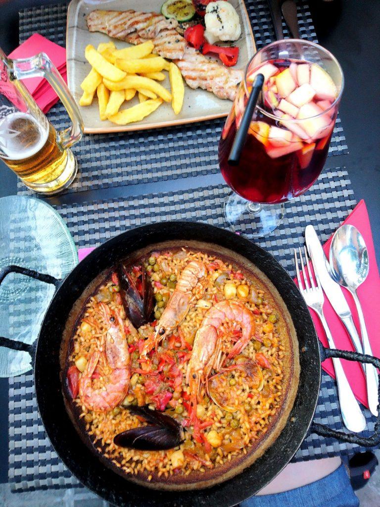 Restaurant pour déguster une délicieuse paella près de la plage la Barceloneta.
