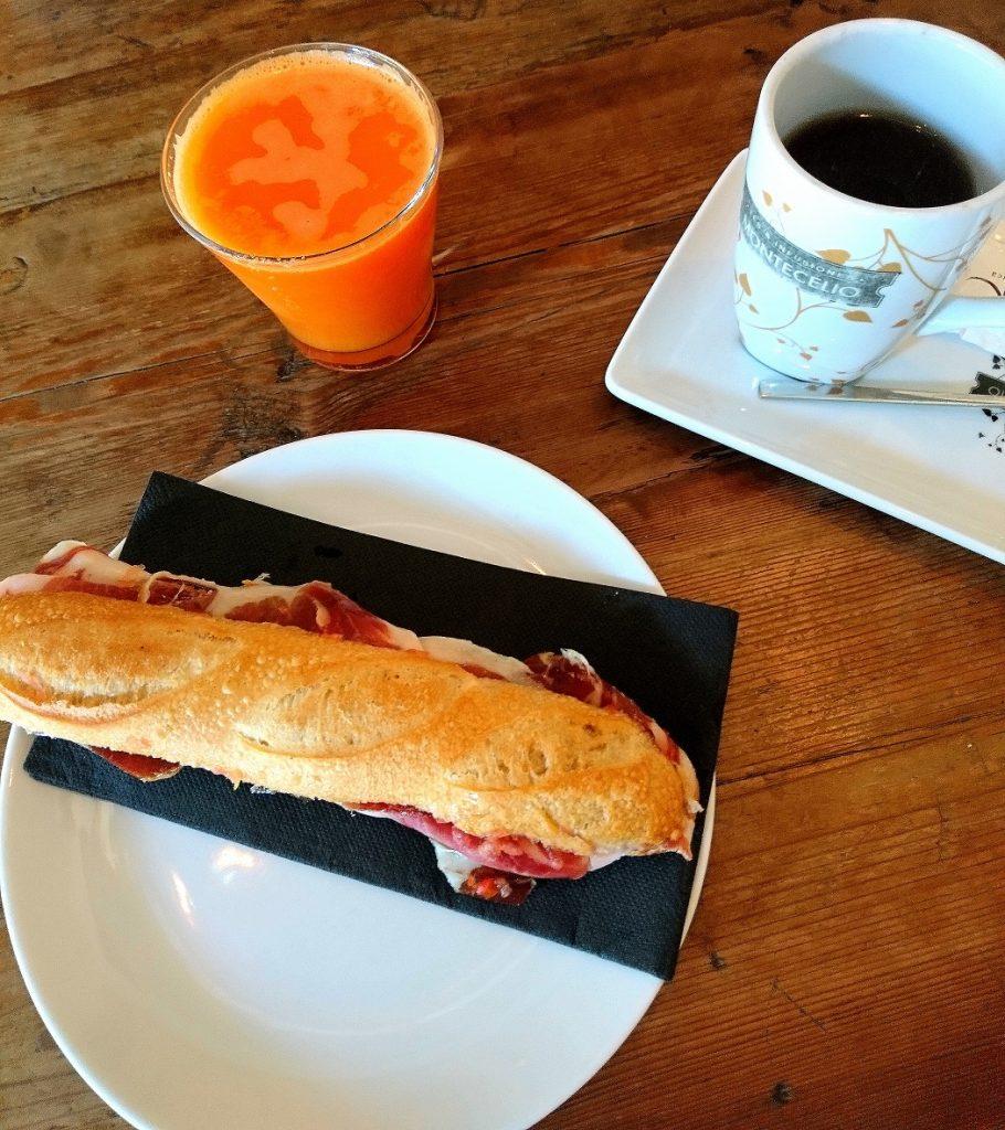 Restaurant bistronomique à Barcelone pour déguster de délicieux bocadillos et autres. A des prix abordables.