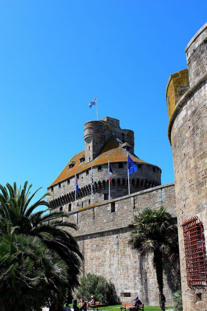 Les remparts de la vieille ville de Saint-Malo.