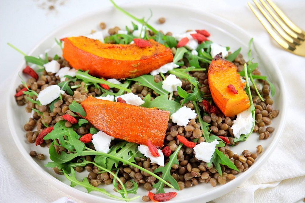 Salade healthy rapide et facile à faire aux lentilles et au potimarron.
