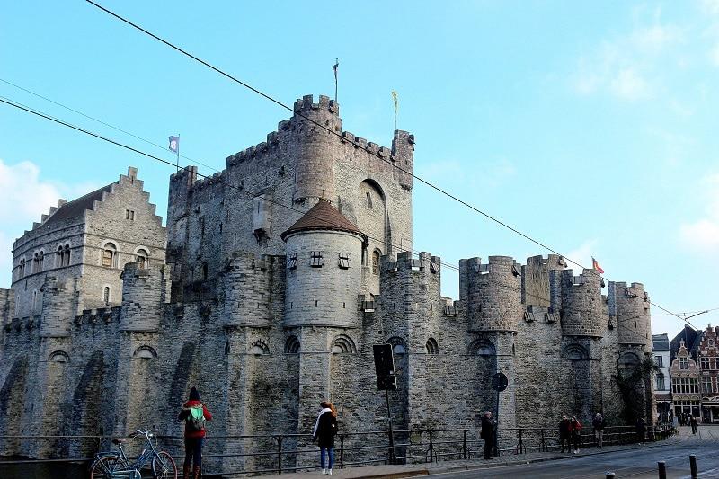 château des comtes de Flandres à Gand en Belgique. Un superbe château fort à découvrir.