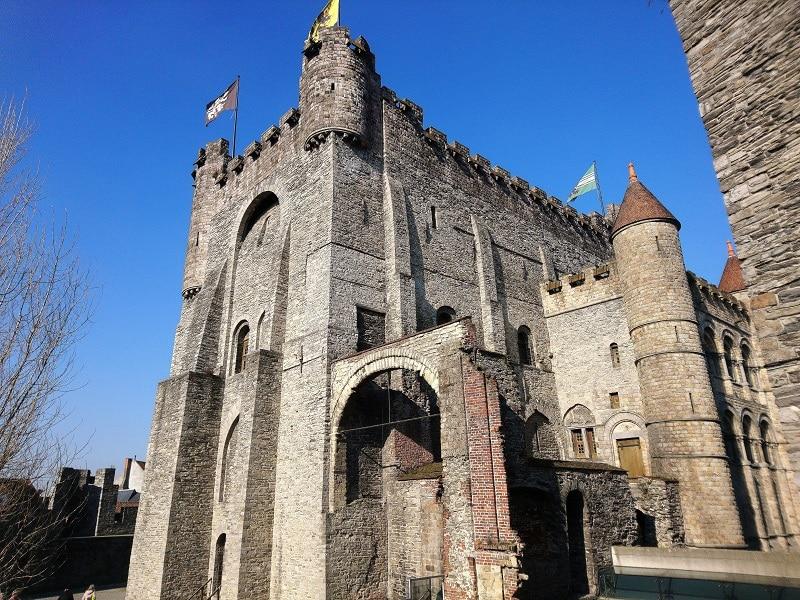 château des comtes de flandres à gand en Belgique.
