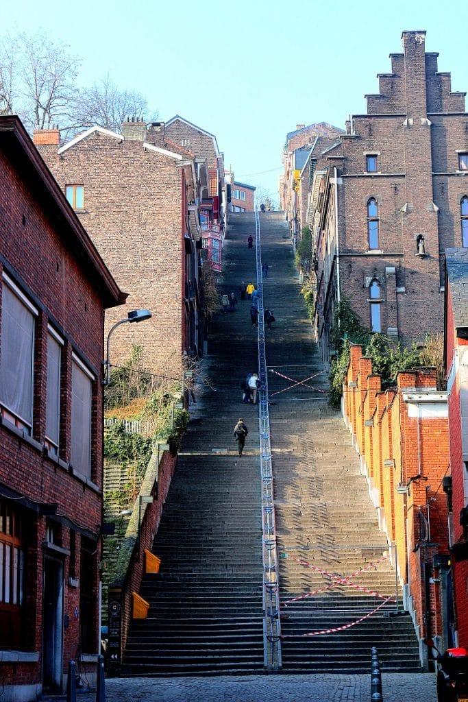 Escalier de la montagne de bueren à Liège en Belgique.