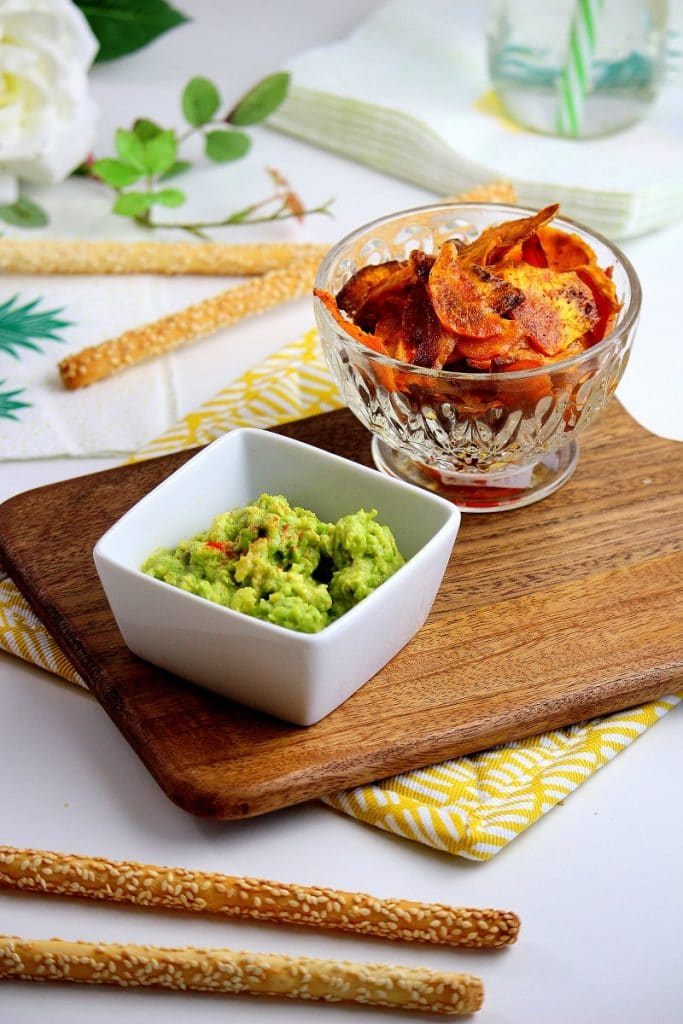 chips de patate douce et guacamole maison. Recette healthy parfaite pour un pique nique.