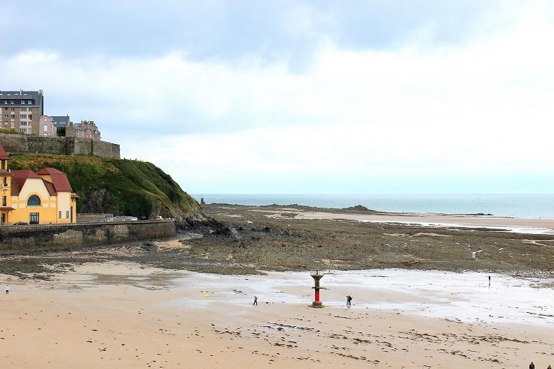 Plage de Granville, le Monaco de la Manche en Normandie.