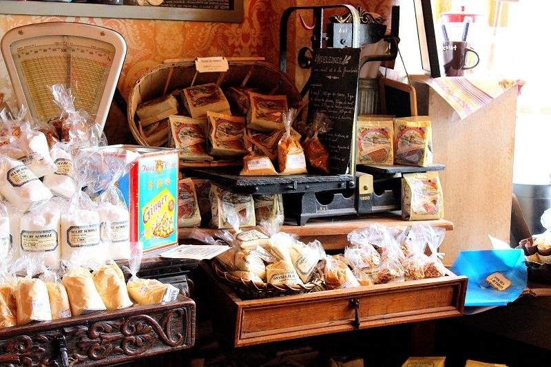 la maison du biscuit détails only laurie