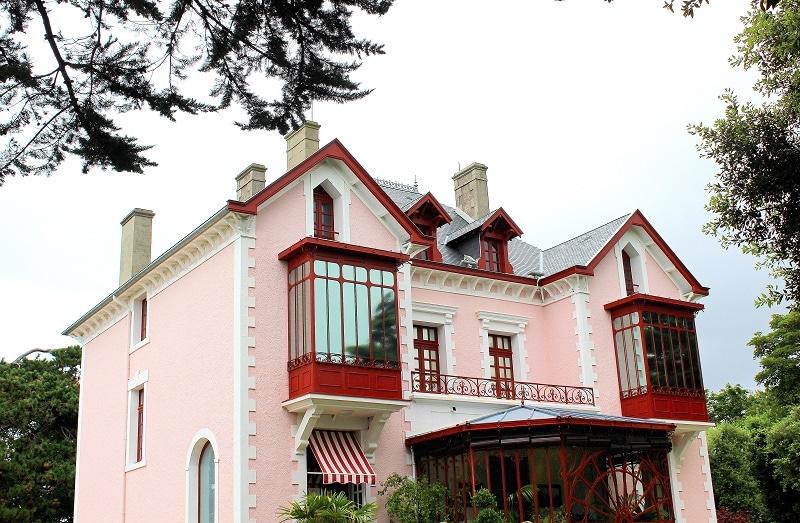 maison Christian Dior à Granville.