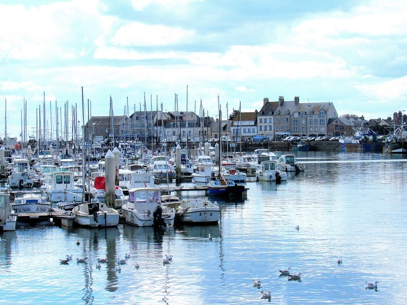 port de saint vaast la hougue, plus beau village de France.