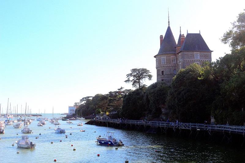 château de pornic et sa balade en bord de mer.