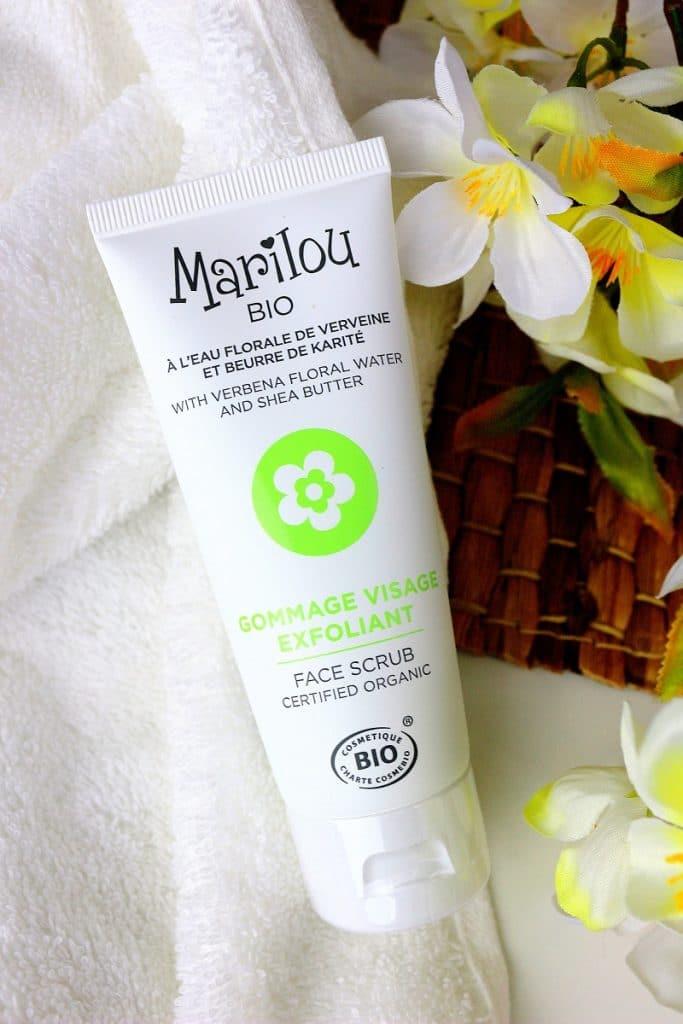 Gommage visage à l'eau florale de verveine et au beurre de karité. Exfoliant bio parfait pour peaux sensibles découvert dans la Nuoobox.