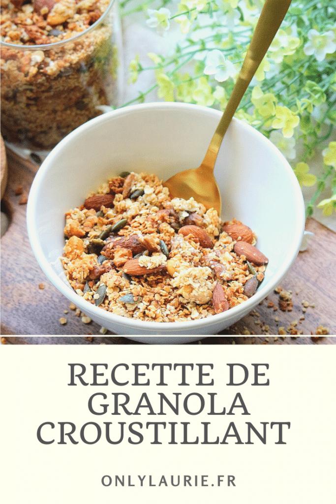 Recette de granola croustillant maison. Une recette facile à faire pour un petit déjeuner sain et équilibré. Un granola healthy parfait pour faire le plein d'énergie