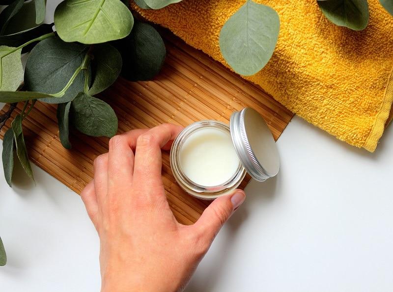 Recette de baume maison pour améliorer la concentration et l'attention. Une recette naturelle à base d'huiles essentielles.